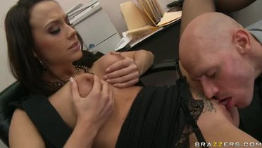Bonny brunette Chanel Preston making an amazing foot feish video at workplace