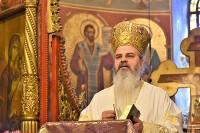 """Preasfințitul Episcop Ignatie, în fața credincioșilor hușeni: """"Este o diferență între icoană și imagine. Icoana trimite întotdeauna către o altă lume"""""""