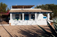 House LLevant 4 pax. It's Caló. 800m from the beach of Migjorn.
