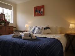 Seaview apartment near the beach, sleeps 4