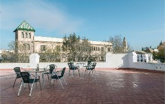 Nice home in Cordoba w/ WiFi and 4 Bedrooms